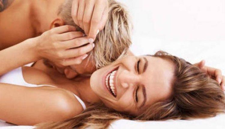 Совет за мажи: Допирајте ја жената на овие три места и ќе доживее огномет на страст