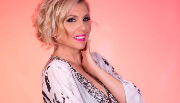 """Татјана Лазаревска и """"Маестрал"""" на турнеја во Америка"""