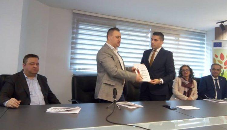 """Потпишан Меморандум за соработка помеѓу Министерството за земјоделство и """"Слоу фуд – Македонија"""""""