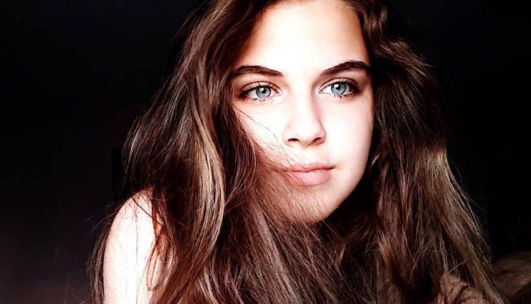 Леона, внуката на Блага Петреска е вистинска убавица