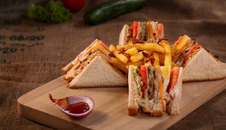 Клуб сендвич и уште нешто вкусно со интернационална кариера