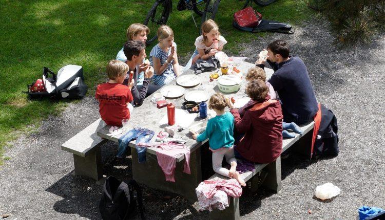 Семејните прослави влеваат сигурност кај децата
