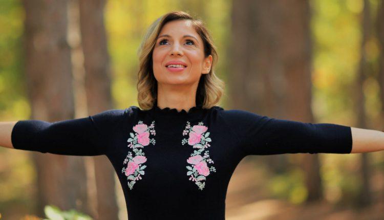 Илина Ведран, инспирациски говорник и тренер за личен развој: Кога прифаќаме, тогаш допираме до бесконечниот потенцијал каде е веќе сè решено и постигнато