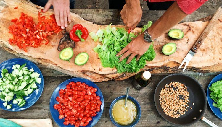 Три рецепти. Мусака со пиперки, млада боранија и со блитва
