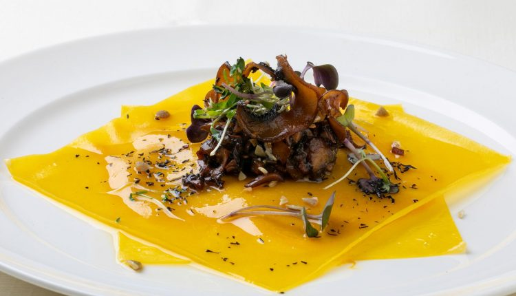 Недела на италијанската кујна. Отворени равиоли, тиква, шампињони, путер од лешник